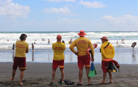 Help our Volunteers keep the Public safe at North Piha